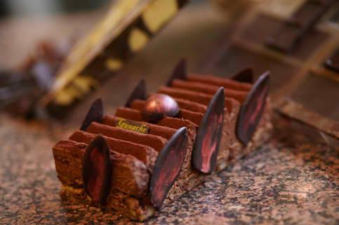 Royale Chocoholic Cakes