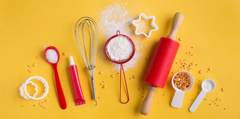 cake baking tools