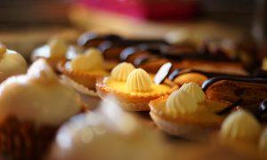 Petits Fours/Macarons